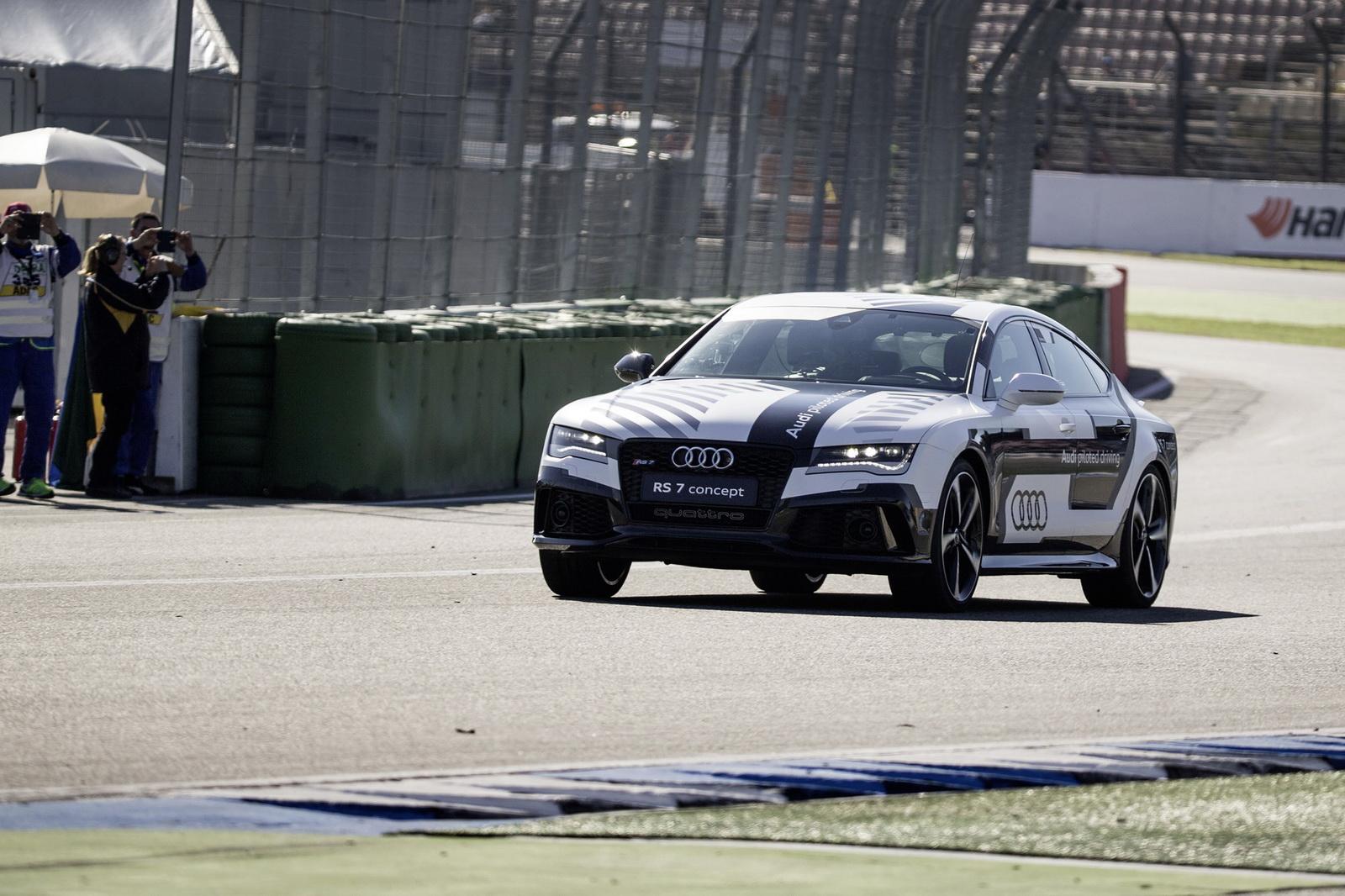 Audi RS 7 – без водителя по гоночной трассе