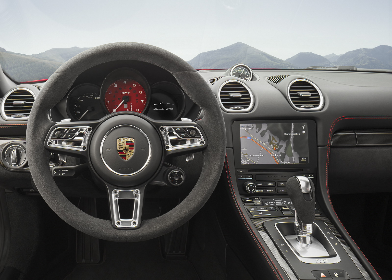 Porsche представляет новые модели 718 GTS