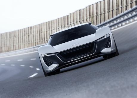 Audi представляет концептуальный спорткар PB18 e-tron