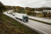 Volvo Trucks предлагает уникальную комбинацию системы рулевого управления и независимой передней подвески для более комфортного вождения