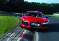 Суперкар Audi R8 e-tron установил рекорд скорости среди электромобилей