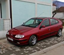 Renault Megane 1 98 г.в 1.6 бензин весь авто на запчасти