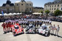 Porsche одержал победу в 24-часовой гонке